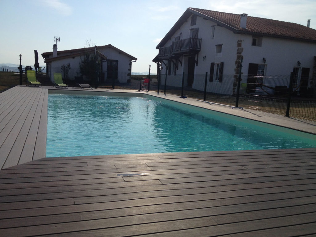piscine gite pays basque